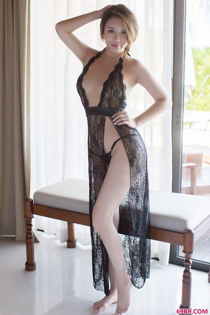 熟女尤妮丝情趣泳装酥胸呼之欲出_gogo西西美女人体模特摄影