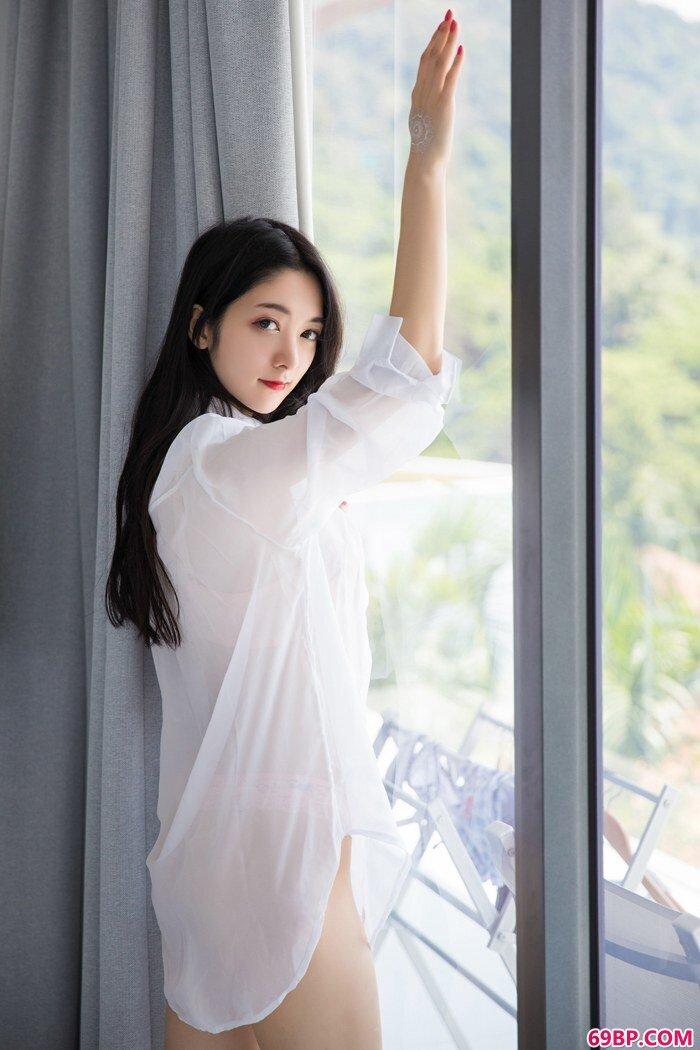 冷面女王小热巴肥臀肥乳十分勾魂_gogo销魄人体