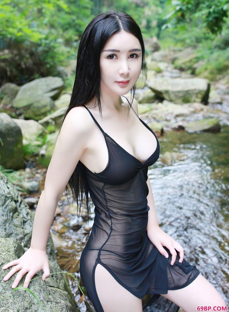 养眼妹子顾欣怡前凸后翘美艳摄影,西西人体正版一一中国正版