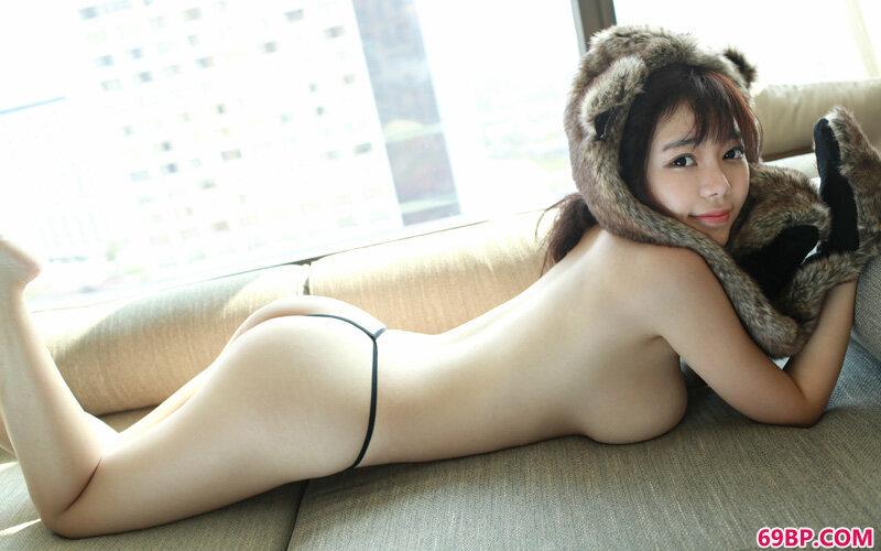 娇滴小靓女刘飞儿饱满玉峰泳装诱惑_少妇自慰10P