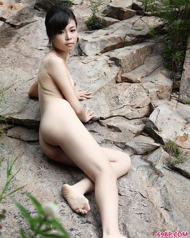 裸模碓臼峪山上的姐妹人体_人体艺术666