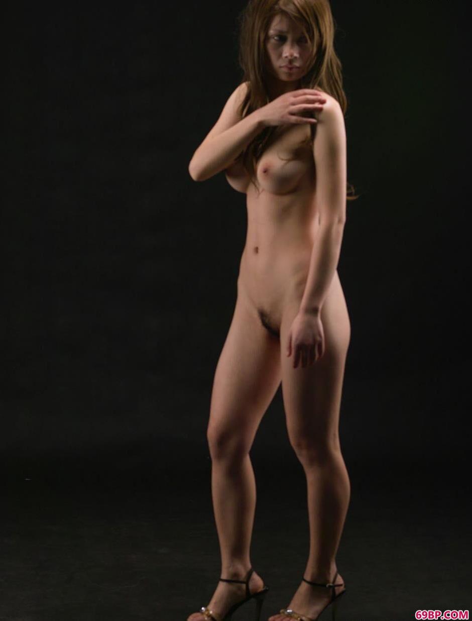 超模安惠室拍性感人体2