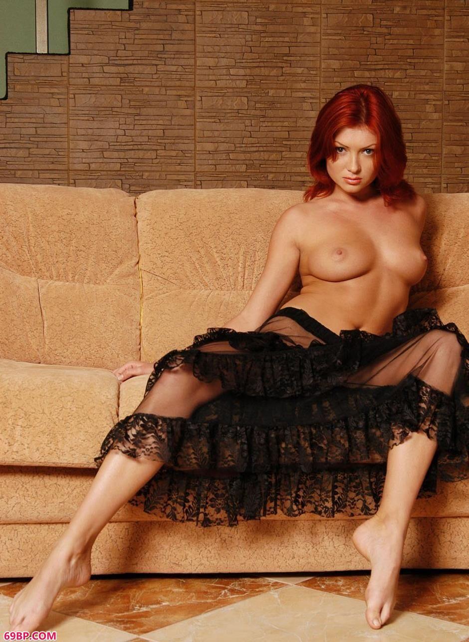超模Maxine布衣沙发上的红发狂人1