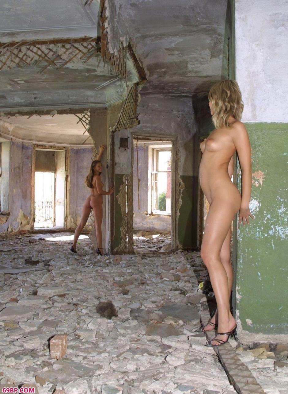 国模孕妇夏寂大尺度_ASHANTI和KOIKA在拆迁现场拍人体