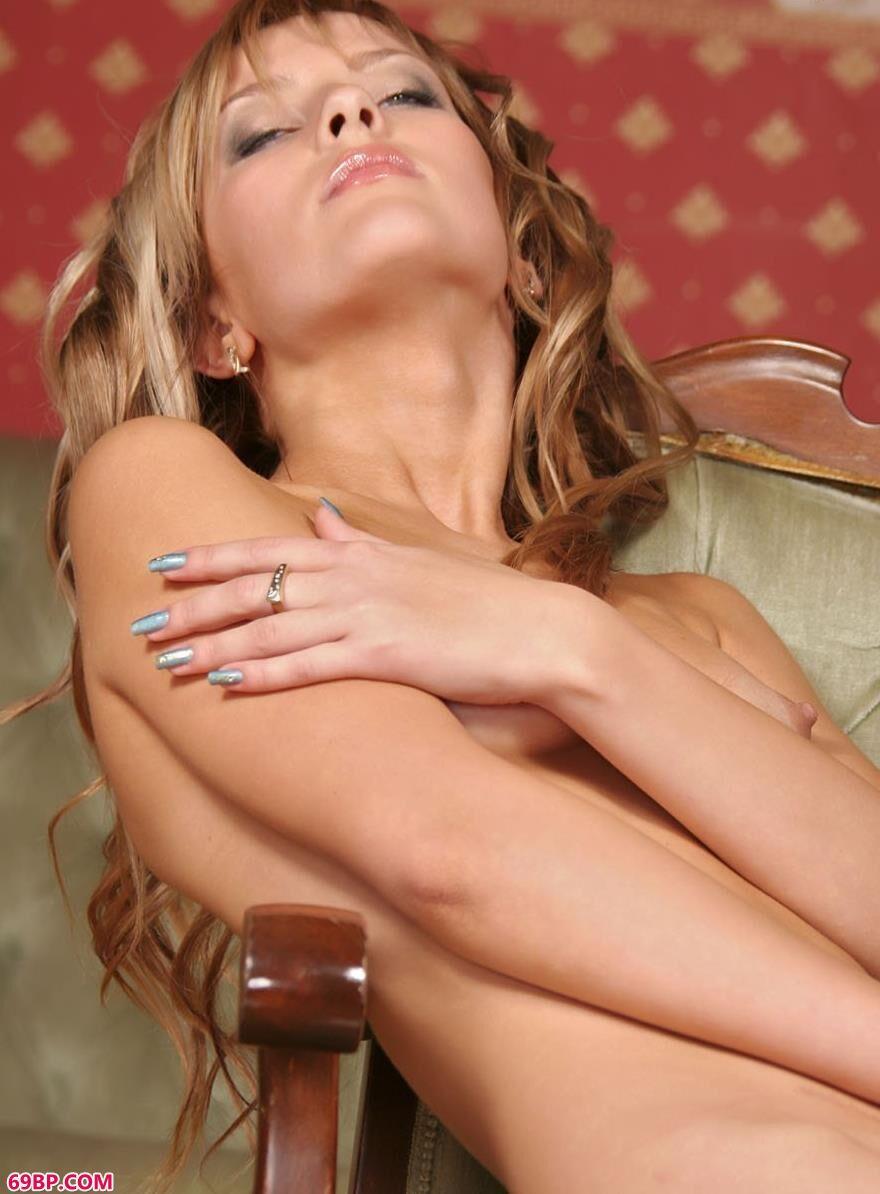 乌克兰靓女束身人体吊带装3,GOGO世界人体