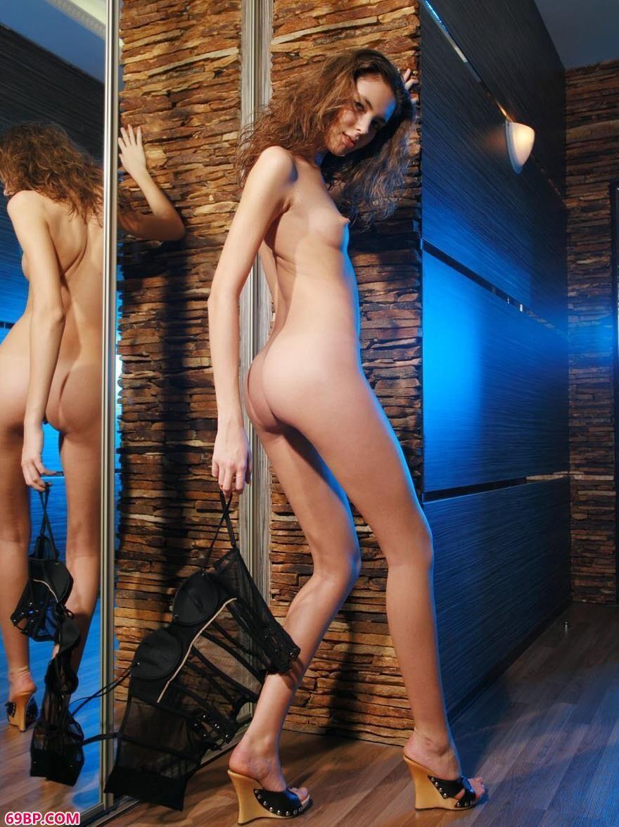 乌克兰人体美模ALENA1