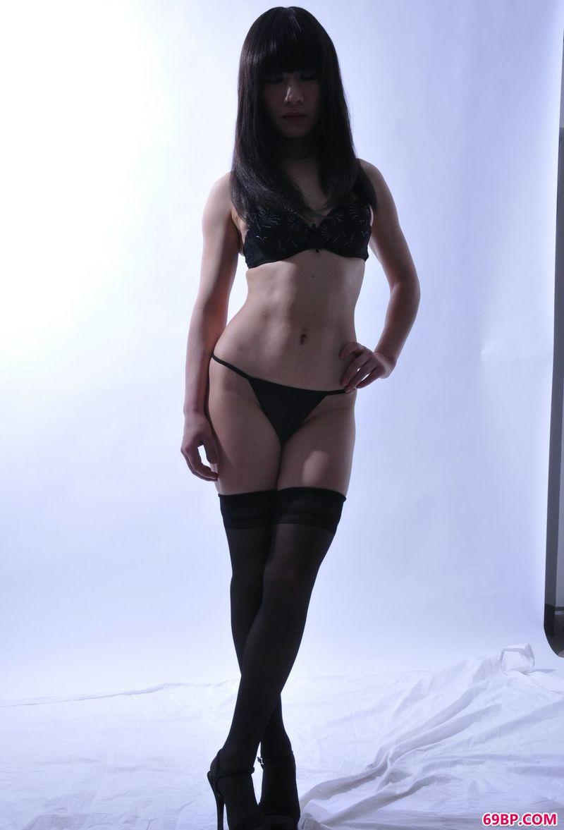 室拍模特洋洋_欧美美女人体