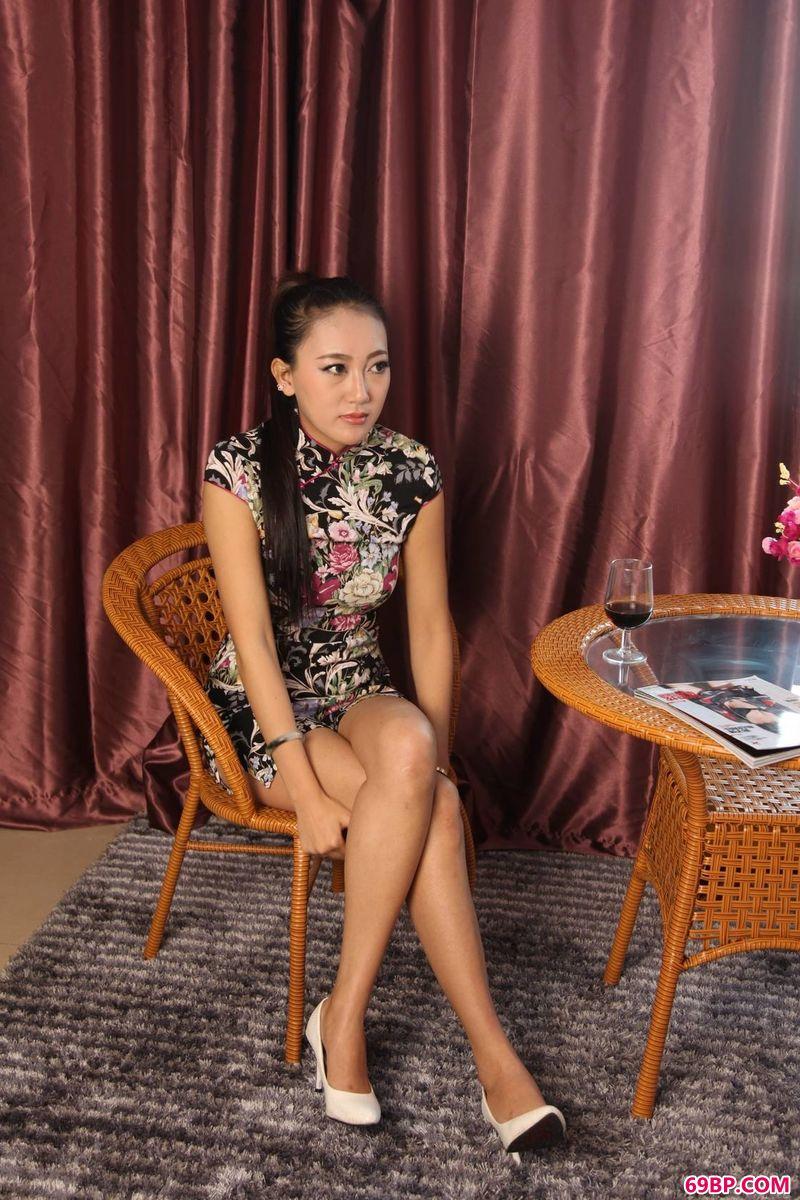 我的空姐女友_颇具古典美xixi模特刘小凡